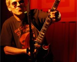 Ariel Rot llena Segovia de rock